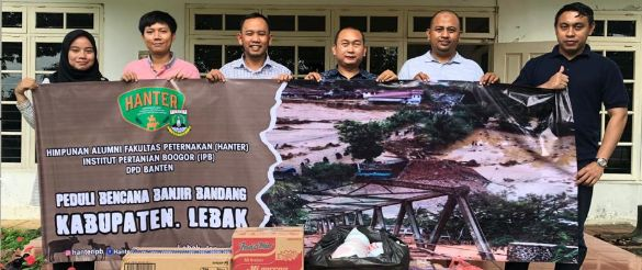 Hanter Bantu Korban Banjir Lebak